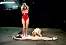 domina cat o nine flogging time