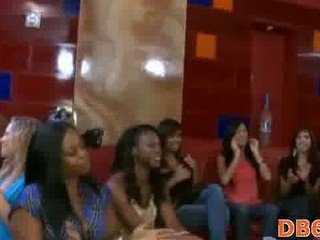 These girls love suckign whipped cream