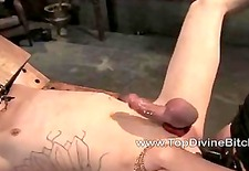 Kade gets cum eating lessons from Aiden