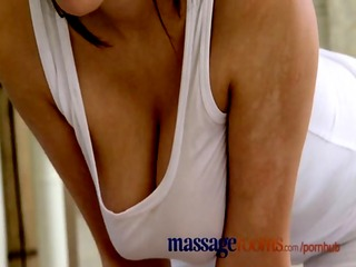 massage rooms foot rub and oil sex with busty masseuse - spankwire.com