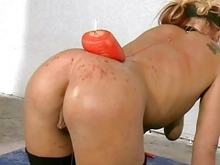 Crystel Leis Bizarre Bdsm and Ass Speculum Punish