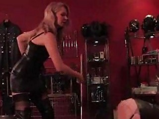 Slave gets a firm whipping