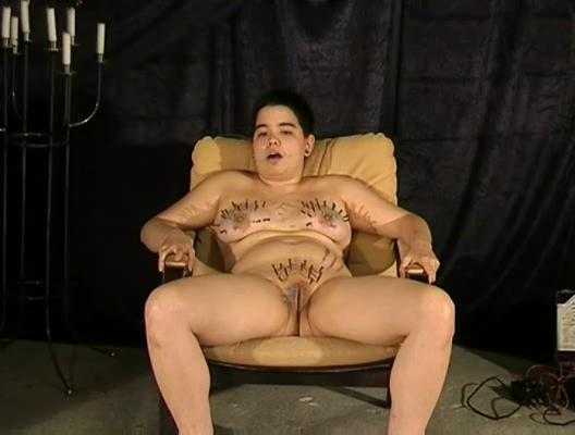 Needle punishment of asian sadomaso slavegirl